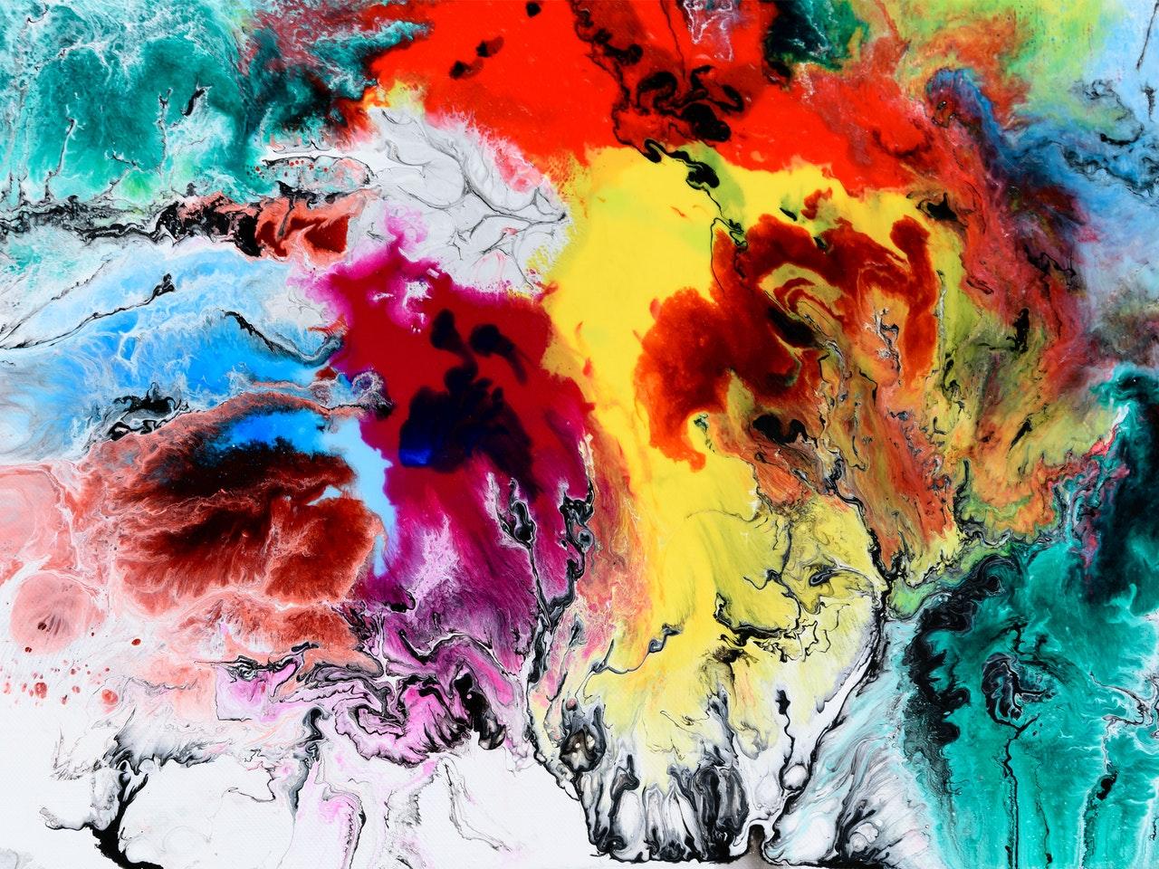 Fargerikt samtidskunstverk